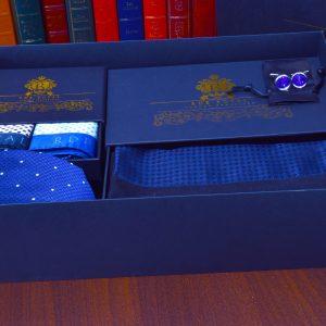 Navy modrý elegantný pánsky darčekový set z hodvábnych produktov