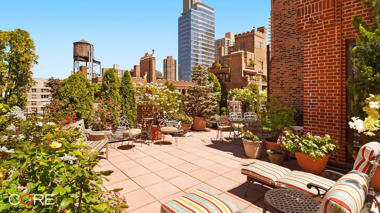 210 East 73rd Street terrace