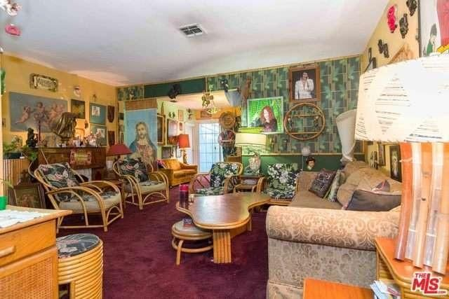 Super groupie Pamela Des Barres' rock 'n roll life living room