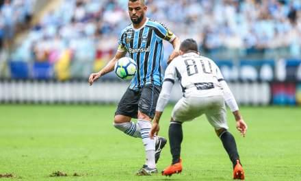 Maicon deve ser o único titular do Grêmio contra o Fluminense