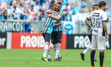 Grêmio vence o Ceará em dia de consagração do Luan