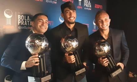 Dupla Gre-Nal tem representantes em premiação dos melhores do Brasileirão