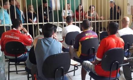Apenados da Penitenciária de Rio Grande têm formatura do Ensino Fundamental