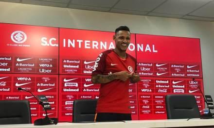 """""""Todo jogador quer disputar uma Libertadores e vencê-la"""", afirma Neilton"""