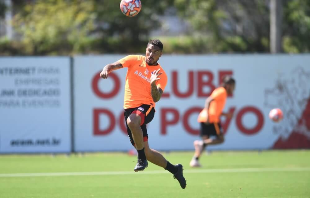 Após liberação, Guerrero está de volta aos treinos do Inter