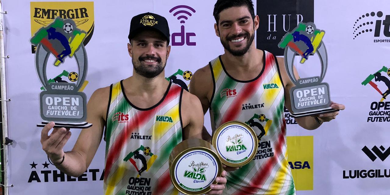 Paraná e Titi são os campeões do Open Gaúcho de Futevôlei