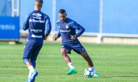 Léo Gomes retorna ao time gremista