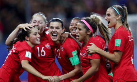 Canadá vence Nova Zelândia e se garante nas oitavas da Copa do Mundo