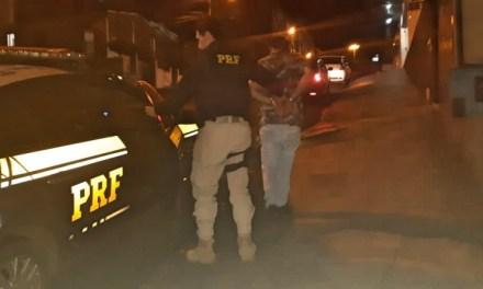 PRF prende homem procurado pela justiça em Passo Fundo