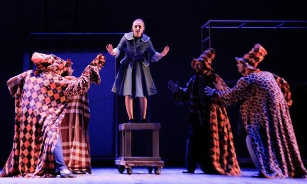 O Maravilhoso Mágico de Óz faz temporada no Teatro Renascença