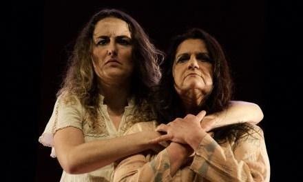 Não Se Mata Pintassilgo em cartaz no Teatro Renascença