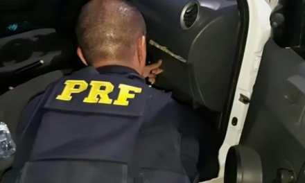 Policia prende homem com R$ 11 mil em notas falsas em Lajeado