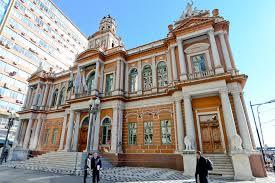 Novo decreto vai ampliar horário de restaurantes e bares da Capital
