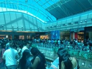 Fãs formam grandes filas em busca do primeiro lote do Garota Vip. (Foto: Aquiles Freitas/ Arquivo Pessoal)