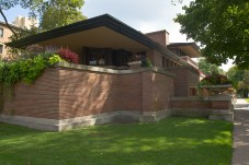 The Robie House, by Frank Lloyd Wright, on the campus of the University of Chicago in Hyde Park, Chicago, Illinois