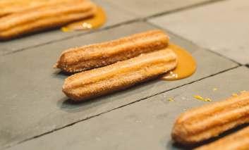 A-sugestão-é-pedir-deliciosa-sobremesa-de-churros-e-ganache-de-doce-de-leite-pelo-delivery-Lisa-Roos-353x213 Homepage