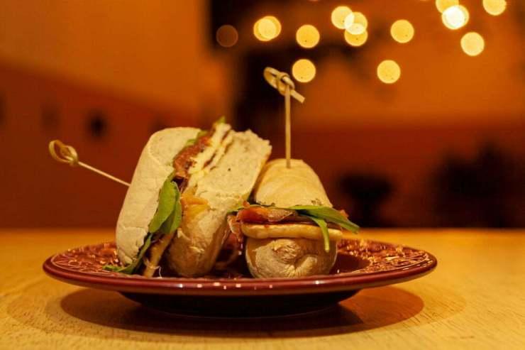 Sanduiche-de-Jamon-Bar-de-Gracia-Graziela-Becker-300x200 Dicas de locais com ótimas opções em gastronomia para o Dia dos Pais em Porto Alegre