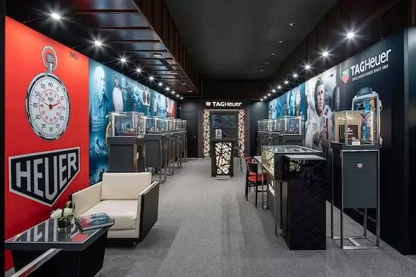 TAG Heuer Museum in Motion- Pop Up Store - Olivier Blouin