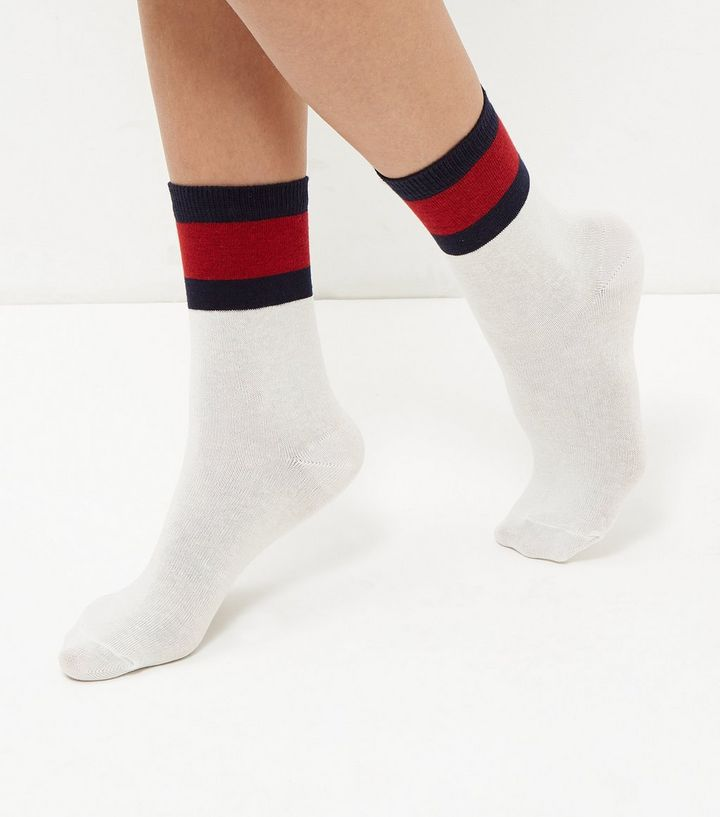 white-colour-block-trim-socks