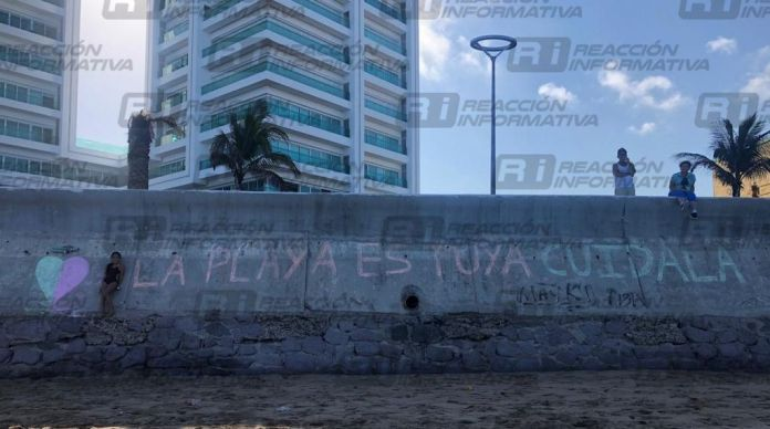 30 05 21 Girl arrested for writing message on Malecón