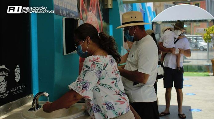 Reactivation of the port tourism hotels Mazatlan people Sellers Beaches Aquarium