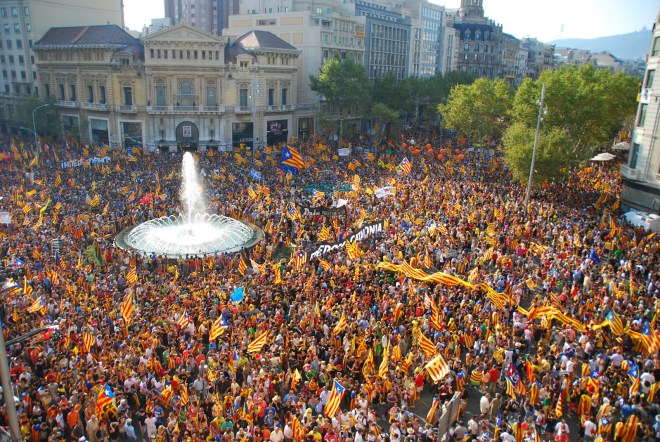 We kunnen niet anders dan vaststellen dat de drang naar een vrij Catalonië meer leeft bij de Catalanen dan onze Vlaamse onafhankelijkheidseis bij de Vlamingen. En dat ondanks een enorm sterke N-VA...