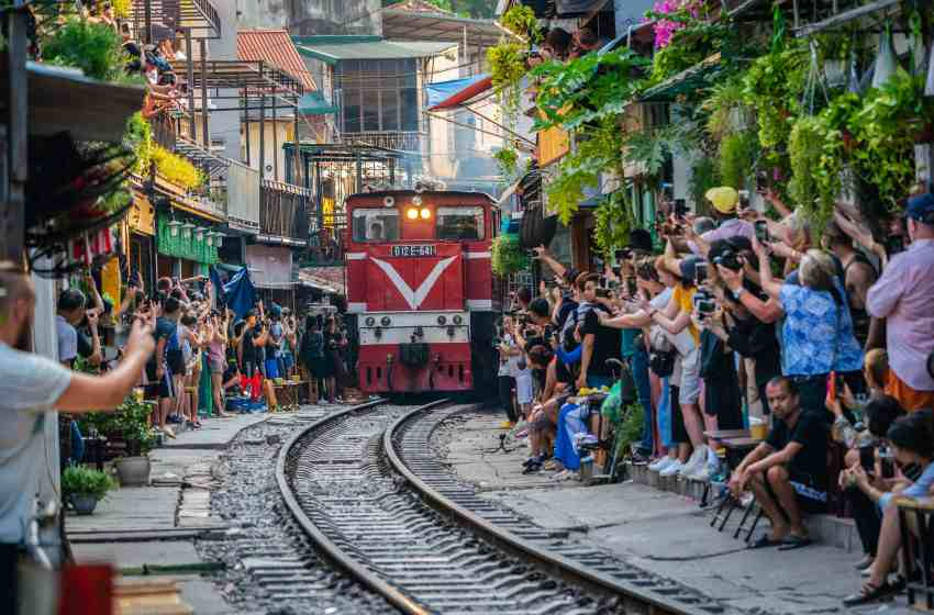 Hanoi | Fascinating Blend of East & West