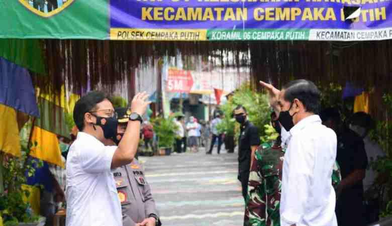 Presiden Tinjau Langsung Pelaksanaan PPKM Mikro di Rawasari