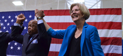 Elizabeth Warren with Rep. John Lewis. (photo: Elizabeth Warren's blog)