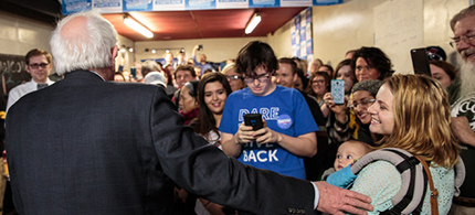 Senator Bernie Sanders spoke to volunteers on Friday at a campaign field office in Muscatine, Iowa. (photo: Max Whittaker/NYT)