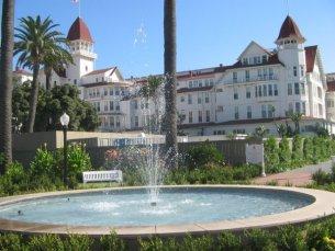 Hotel del Coronado fountain