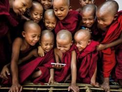 Маленькие монахи в монастыре в Багане, Мьянма. (Фото Gunarto Gunawan)