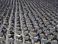 Экзамены в средней школе в провинции Шэньси. (Фото Reuters)