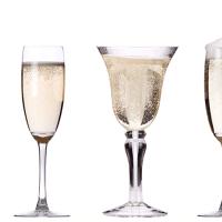 Как форма бокалов влияет на удовольствие от шампанского