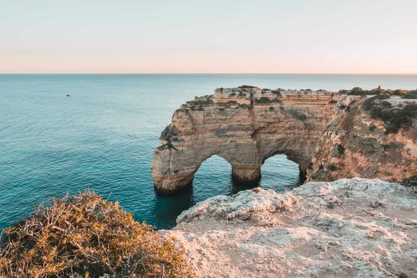 herzförmige Felsen an der Algarve