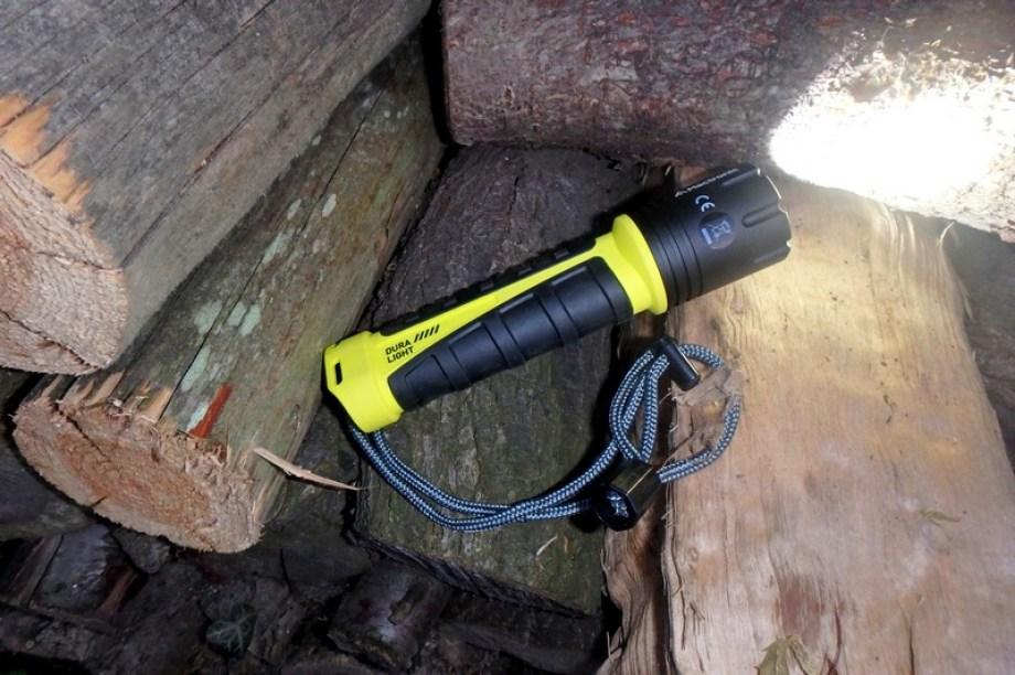 Sprzęt na trudne warunki - latarka Mactronic Dura Light 500lm