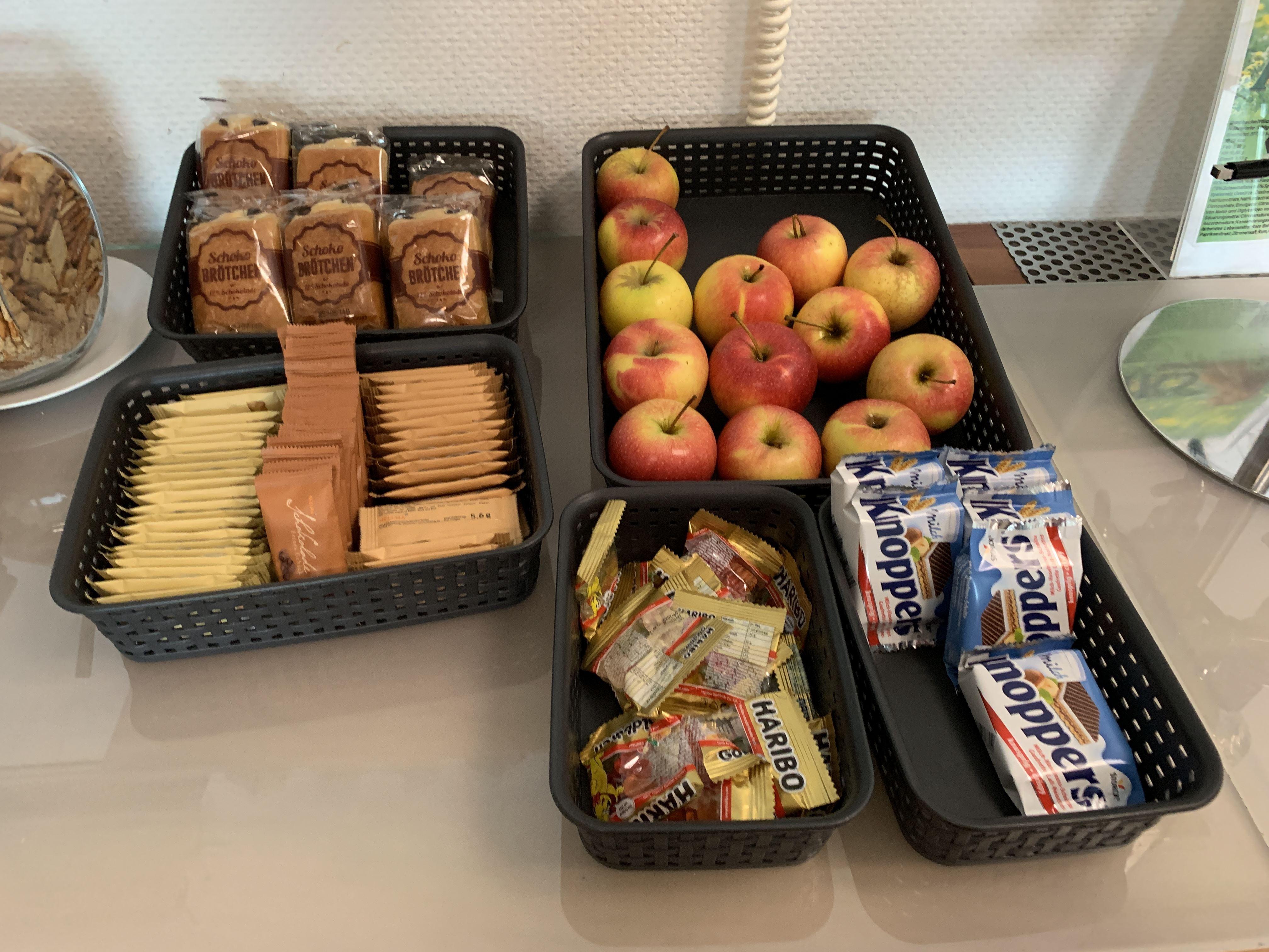 Snacks Berlin Schönefeld Airport Priority Pass Lounge