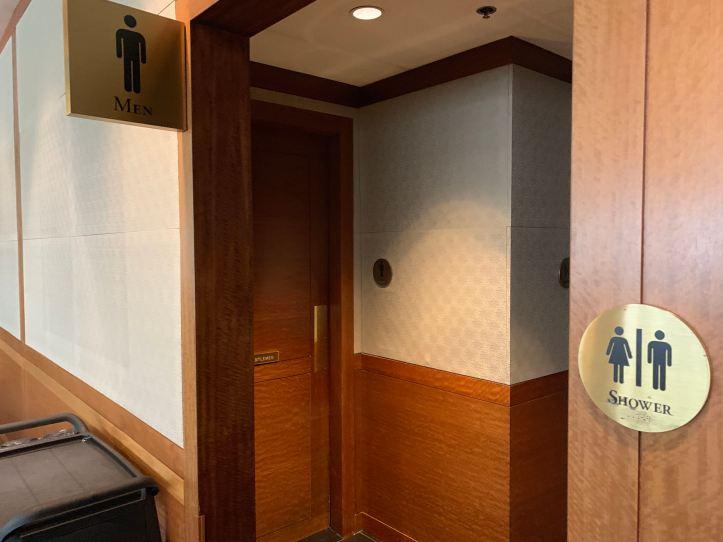 Priority Pass Lounge JFK Terminal 1 Bathroom