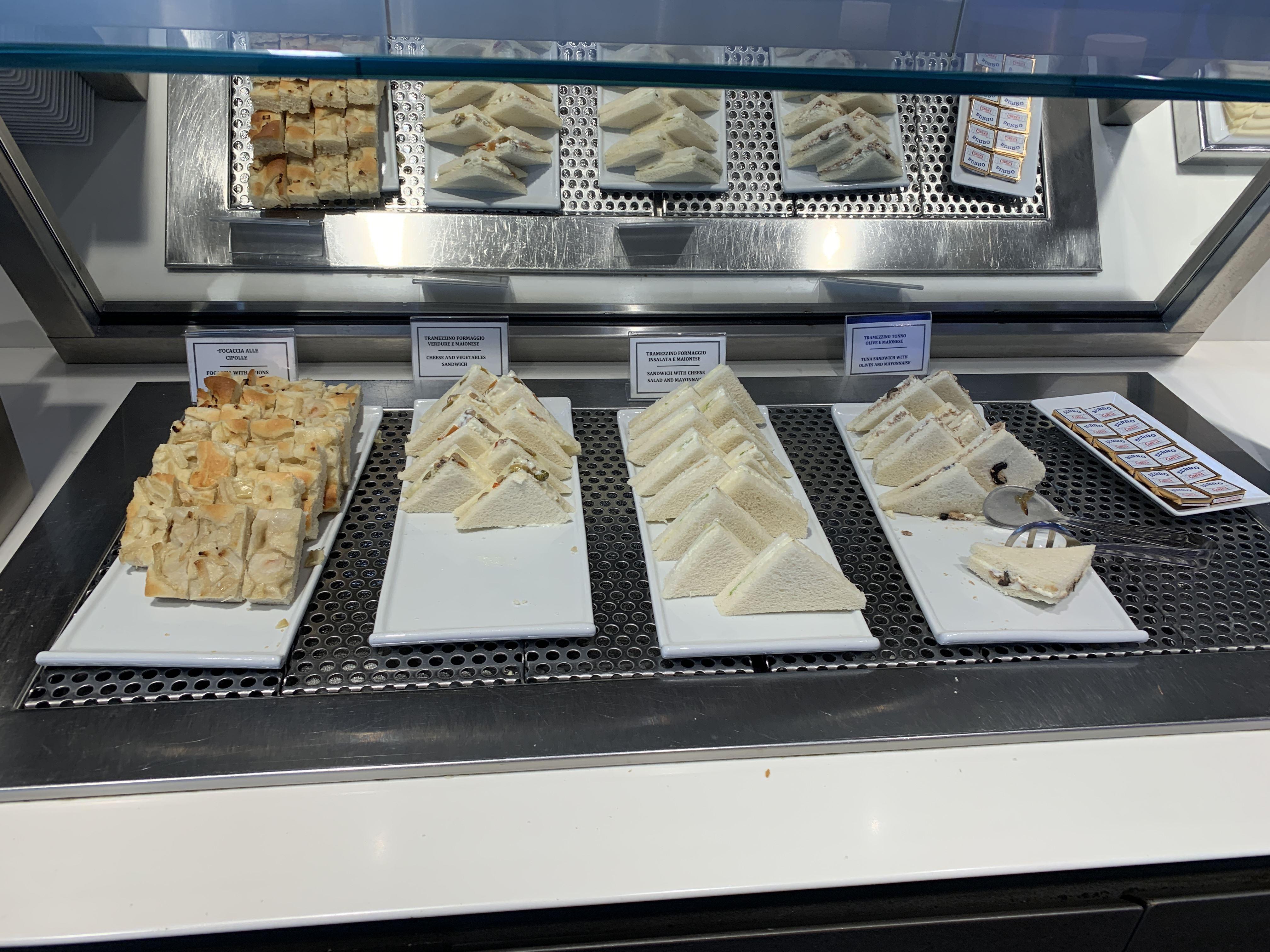 Priority Pass Lounge Malpensa Airport Terminal 1 Sala Montale Food