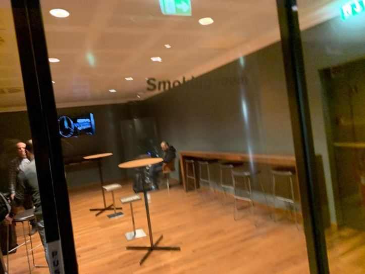 Priority Pass Lounge Malpensa Airport Terminal 1 Sala Montale Smoking Room