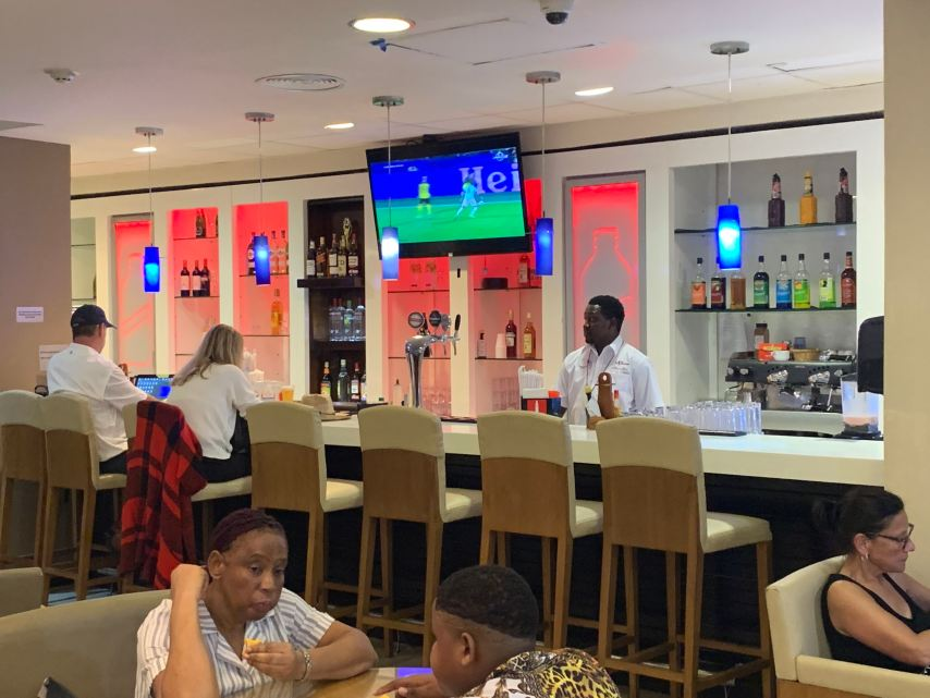Priority Pass Lounge Montego Bay Jamaica Bar