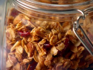 Oats or wheat berries would form the base of the meal, and added to that would be any summer fruits that we had, chopped cob nuts or even walnuts if we had them #ReadyNutrition