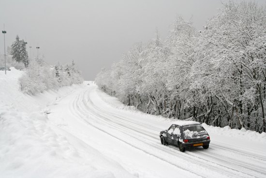 How To Maneuver a Vehicle and Drive During Whiteout Conditions