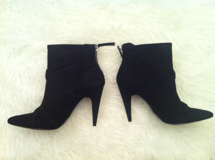 Look at these boots! I couldn't believe it when the sales associate told me they're on sale for $22.99. Is that even legal? I can't wait to wear them with skirts and flared dress pants. They'll take me until this Autumn and beyond!