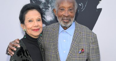 The Black Godfather Netflix - Clarence Avant