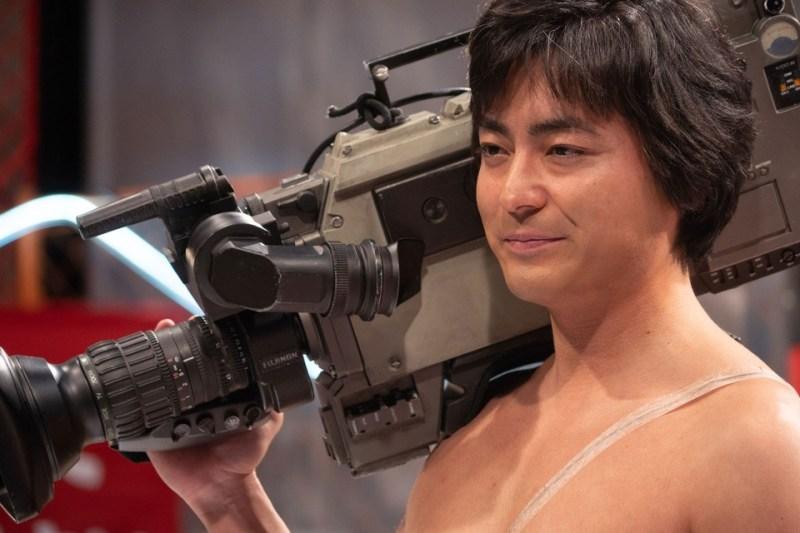Takayuki Yamada interpreta Toru Muranishi in Il regista nudo (The Naked Director)