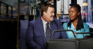 """Bob Hearts Abishola (CBS) Season 1, Episode 1 recap: """"Pilot"""""""