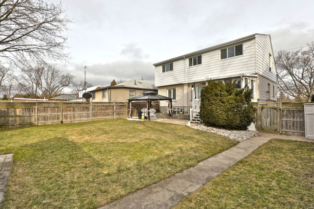30 - Recently Sold on Hamilton's Central Mountain