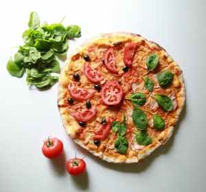 pexels photo 208537 - tomato pizza