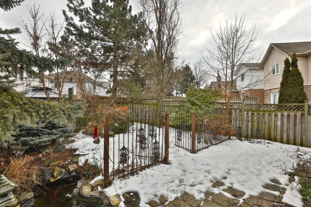 31 1024x683 - Recently sold on Hamilton Central Mountain